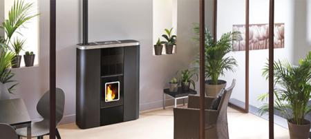 Poêles hydro : quand le poêle à bois devient le chauffage principal de la maison